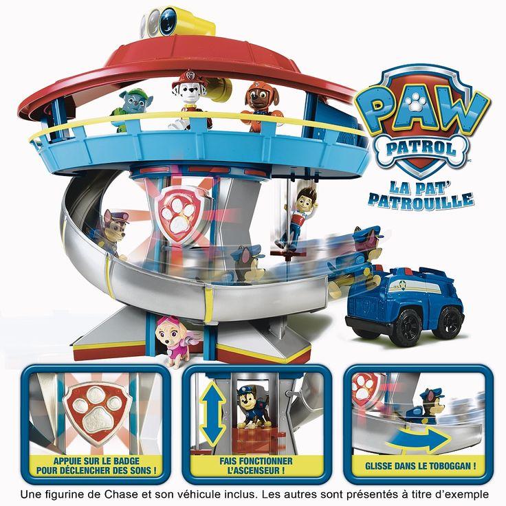 """Retrouve le quartier général du dessin animé Paw Patrol !<br>Amuse-toi  avec son toboggan, son ascenseur et  sa longue vue !<br>Le quartier général est lumineux et sonore !<br>Appuie sur le badge pour déclencher des sons! Fait fonctionner l'ascenseur! Glisse dans le toboggan<b><br>Une figurine de Chase et sa voiture incluses.</b><br>A partir de 4 ans.<br><br><iframe src=""""http://www.youtube.com/embed&#x2..."""
