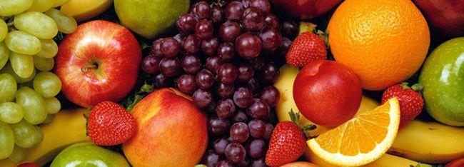 Fiecare dintre noi iubim fructele. Iar mai mult decat atat iubim cosurile cu fructe primite in dar. Fie ca e vorba de cosuri cu fructe traditionale sau cosuri cu fructe exotice, toate constituie o sursa bogata de vitamine si antioxidanti atat de necesare in alimentatia zilnica. Copii sau adulti, nepoti sau bunicute, toti au nevoie de o vitaminizare din cand in cand pentru o revigorare a organismului.