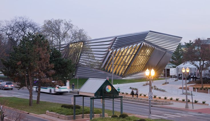 Zaha Hadid's Broad Art Museum – Azure Magazine