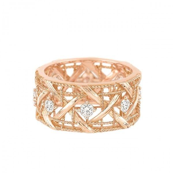 Bague de fiançailles en or rose et diamants - Bague: Dior, modèle My Dior - La Fiancée du Panda blog Mariage et Lifestyle