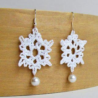 Tampa Bay Crochet: Free Crochet Pattern: Crochet Snowflake Earrings with Pearl Accent Tutorial