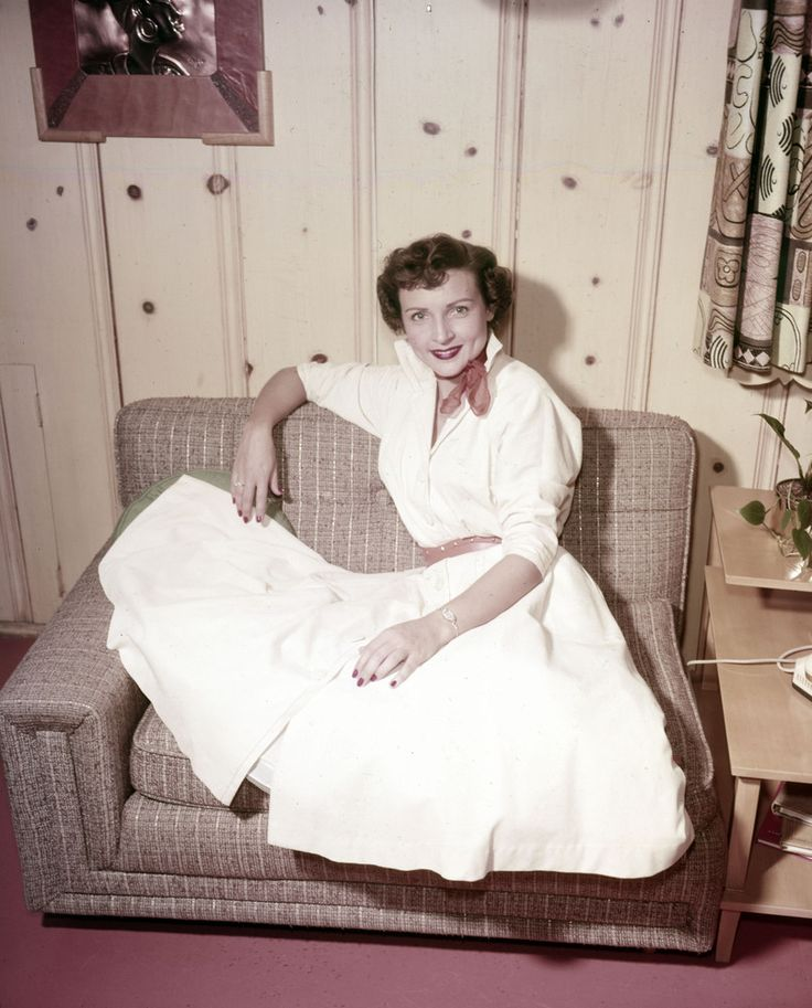 Vintage Betty White | 35 Fabulous Vintage Pics Of Betty White, In Honor Of Her 92nd Birthday ...