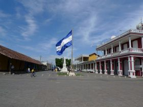 -Plaza_de_la_Independencia_-_Granada,_Nicaragua – I think we are very similar to North Americans in customs and the way that Americans live in Nicaragua.