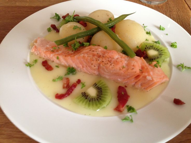 Atlantic Salmon, new potatoes and kiwi with a traditional velouté sauce.