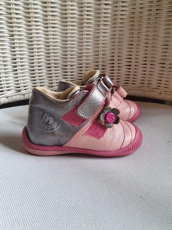 Https Pin It 6ht0uol Idealna Lekkie Buty Mrugala Do Nauki Chodzenia Profilowana Wkladka Dobrze Trzymaja Kostke Rozmia In 2020 Baby Shoes Shoes Sneakers