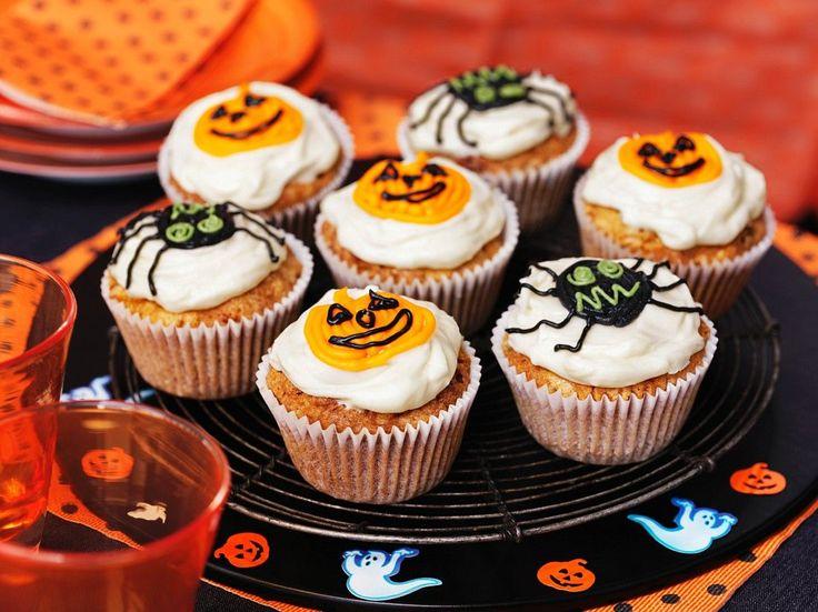 Cupcakes mit Halloween-Verzierung