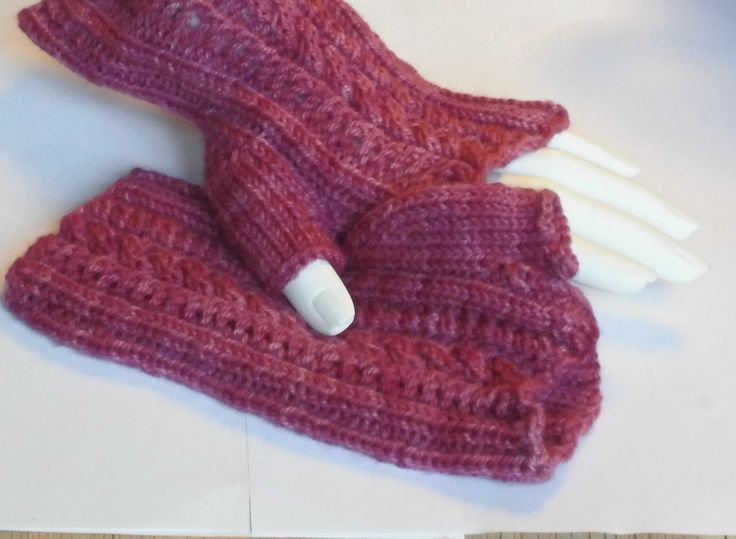 Handknit wrist warmers - Handknitted fingerless mittens - Knitted woman gloves with lace - Rose Fingerless Mittens - Rose Wool Mittens