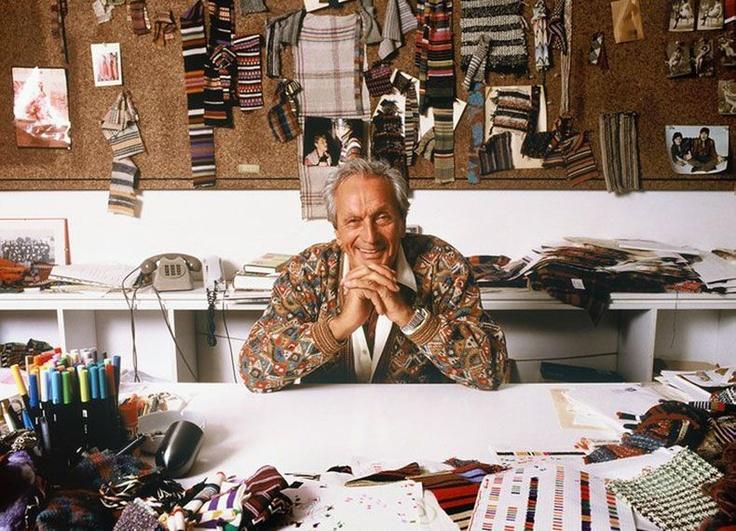 Si è spento nella sua casa di Sumirago Ottavio Missoni, fondatore con la moglie Rosita del famoso marchio italiano di moda. Se n'è andato in