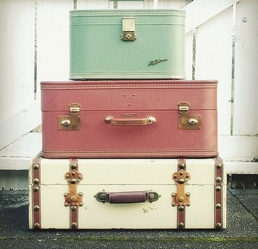 146 best OLD SUITCASES images on Pinterest | Vintage luggage ...