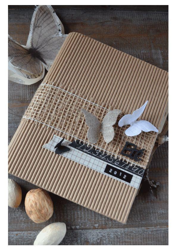 mini album couverture carton ondulé papillons raphia nature