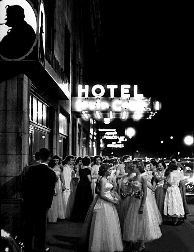 onlyoldphotography:  Ralph Crane: High school girls sporting formal dresses as they gather for the dance at the hotel. Kentucky, 1952