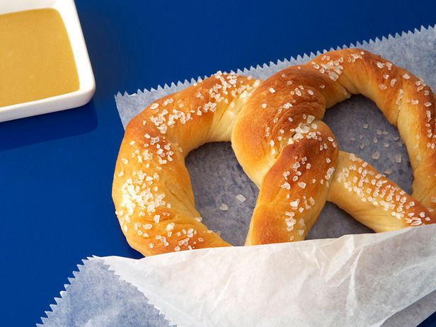 Homemade Soft Pretzels: Making this movie theater snack at home is easier than you think. Serve along with a sweet mustard dipping sauce.: Food Network, Homemade Pretzels, Soft Pretzels Recipe, Aunty Anne, Almost Fam Soft, Soft Pretzel Recipes, Famous Soft, Almost Famous, Copycat Recipe