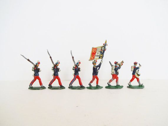 Rare Vintage French Lead Toy Red & Blue WWI Soldiers from the Ecole Militaire de Saint-Cyr 1870-1918