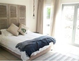 Kellerman's House in Hemel en Aarde. Great value accommodation for couples. http://www.where2stay-southafrica.com/Accommodation/Hermanus/Kellerman's_House