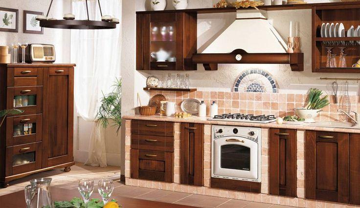 Progetto cucina muratura classica - pavimenti e rivestimenti in cotto e mobili in legno scuro