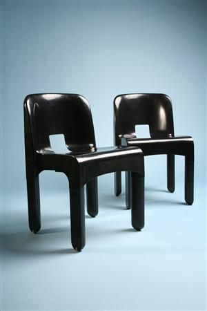 Stacking chairs, Universale. Designed by Joe Colombo for Cartell