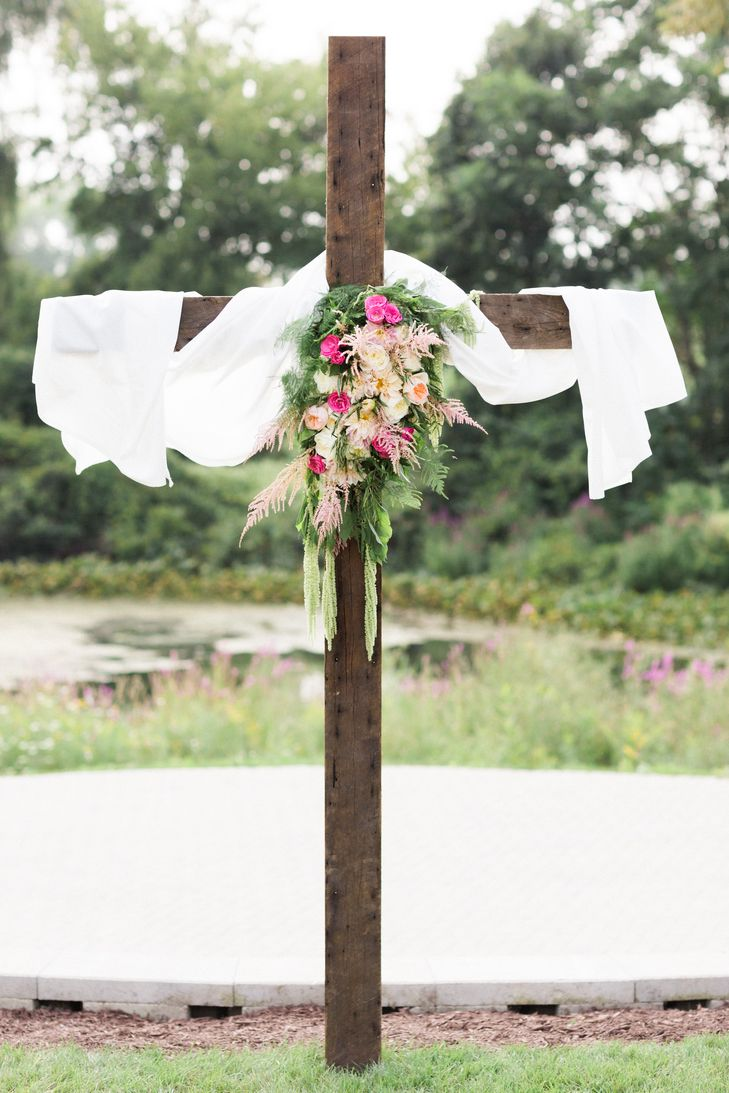 Wooden Ceremony Cross With Pink and Green Flowers | Sarah Elizabeth Dunn Photography | Cottonwood Barn | Eden Designs | Studio58Media