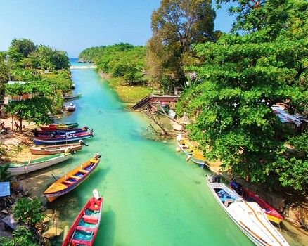 White river Ocho Rios JAMAICA... I'm going here on our Honeymoon!!!!