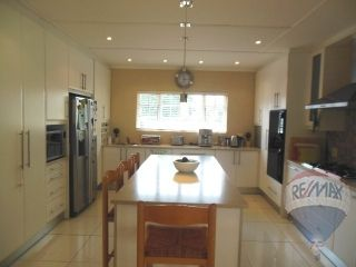 4 bedroom House For Sale in Beacon Bay, East London | 302147479 | RE/MAX #ForSale #Modern #FamilyHome #GrannyFlat