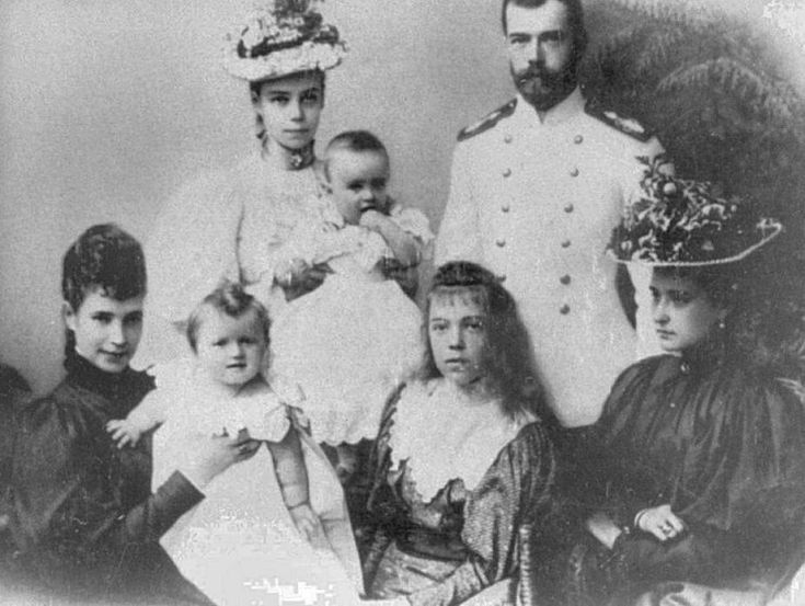 romanovs nicholas. alexandra. olga. 1896-1900.