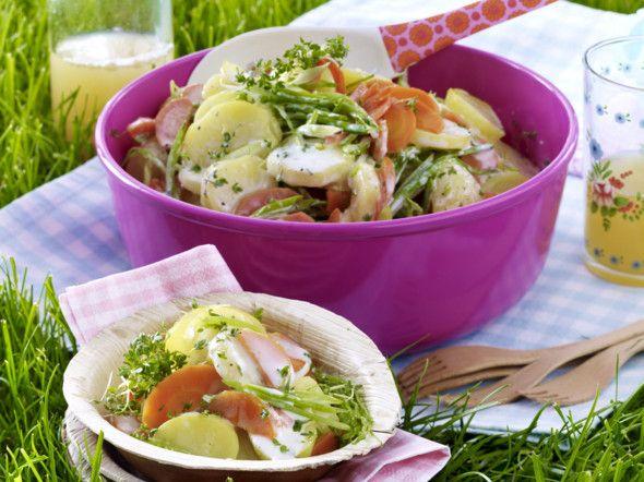 Bunter Kartoffelsalat mit Möhren, Lauchzwiebeln und Zuckerschoten mit Kresse-Frischkäsesoße Rezept