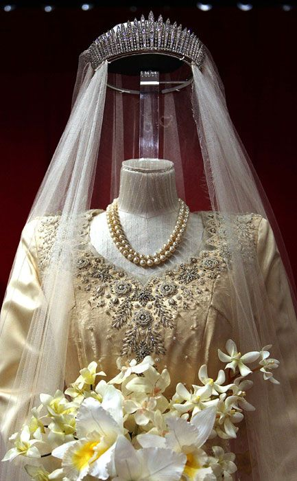 1947 Wedding of Princess Elizabeth to Prince Philip: Princess Elizabeth's Wedding Jewelry