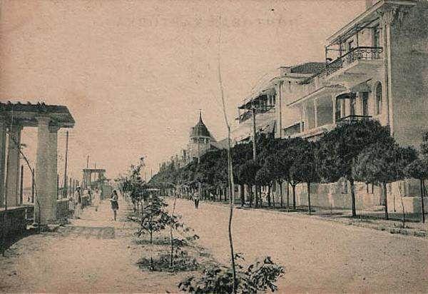 Набережная Евпатории в районе гостиницы ДЮЛЬБЕР