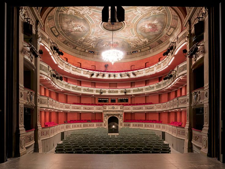 alonso-spectacle-salle-symmetrie-06