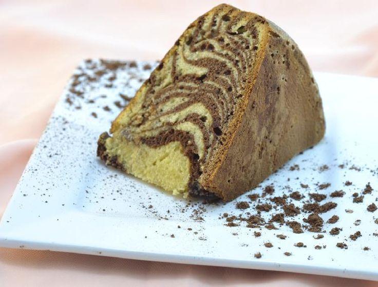 La torta cebra destaca su belleza al cortarla, se puede apreciar claramente en su interior un dibujo similar a la cebra.
