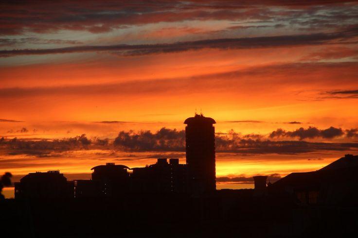 Skyline boulevard Vlissingen in het avondzonnetje.