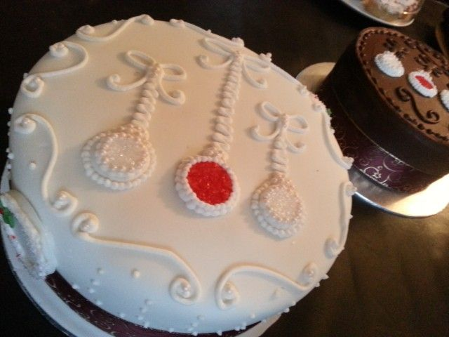 Little Touch of Luxury Christmas Cake Design 2013 - 3 Cake options- Luxury Vanilla Sponge - filled with Advocaat Buttercream - Fruit cake twice fed with Rum - Gingerwine & Whisky Cake, twice fed. Covered with Marzipane and Fondant Icing or Chocolate Ganache.