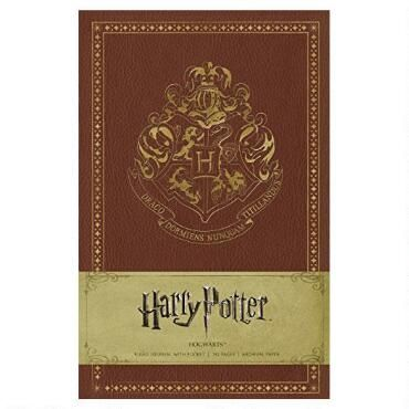 This finely crafted journal-one of four Harry Potter journals based on this popular franchise-is designed to display the gorgeous concept art created for the Harry Potter films, featuring fan-favorite locations such as Hogwarts School of Witchcraft and Wizardry.