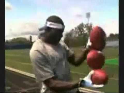 Crazy NFL Football Tricks! | Watch Sport Videos & News Online Free Soccer,Hockey,Tennis, Golf, World Cup, Boxing, Motorsports, Extreme Sports, Football,Baseball,Basketball,College