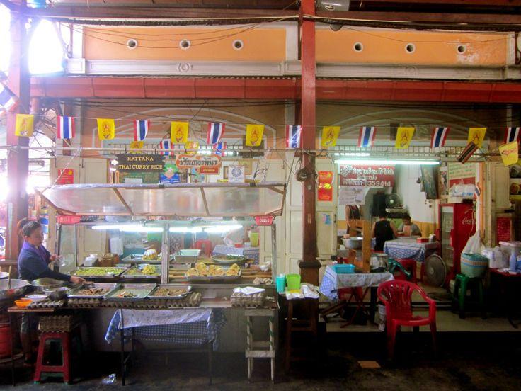 Khao Gaeng Rattana at Nang Loeng market in Bangkok, Thailand - photo by Chris Wotton