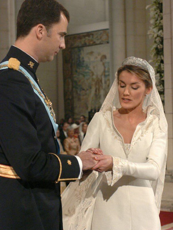 Queen letizia wedding ring