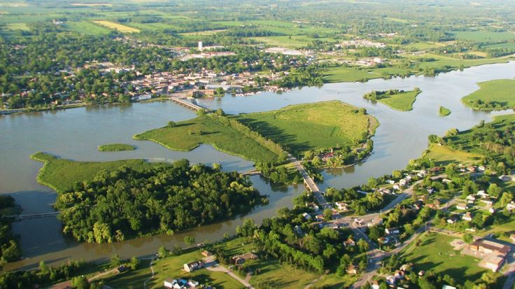 Flying over Dunnville - I live here and it would be great to see it from the air.