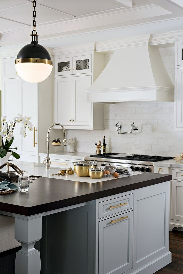 Kitchen Island With Marble And Wood Countertop American Walnut The Island Wooden Counter Is Ame Classic Kitchens American Kitchen Design Classic Kitchen Design