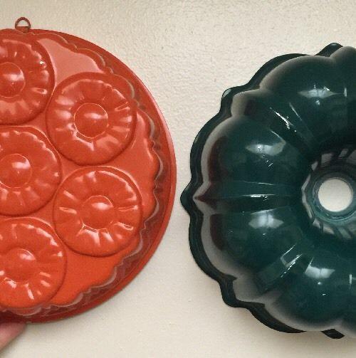 Vintage/Retro Baking Tins - Pineapple Upside Down and Bunt Cake, Orange/Green