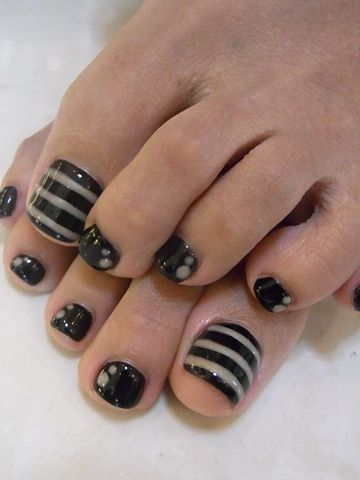 Pedicure: Love the black stripes, I would like for them all to