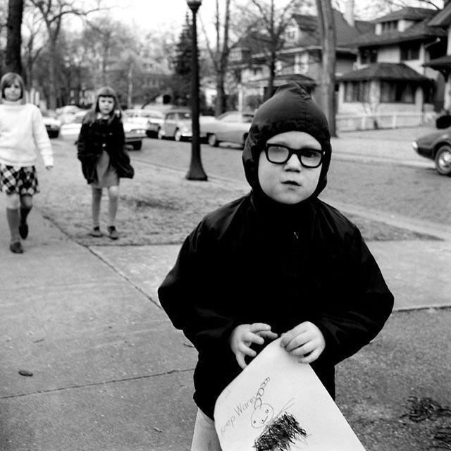 Walking home from school. // Vivian Maier.