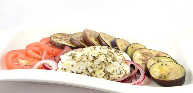 Over de aubergine tomaat met kabeljauw  De aubergine tomaat met kabeljauw in een heerlijk snel en gezond recept voor een avondmaaltijd. Het is simpel te bereiden met slechts een paar ingrediënten.    Wat je wel echt nodig hebt …