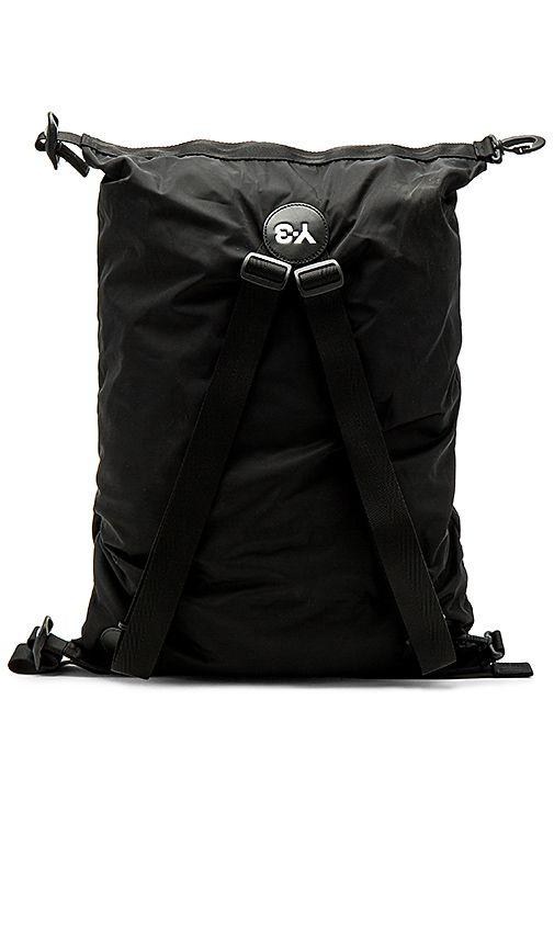 Купить Y-3 Yohji Yamamoto ПАКЕТНАЯ СУМКА в цвете Черный в REVOLVE. Бесплатная доставка и возврат в течение 2-3 дней, 30 дневная гарантия лучшей цены