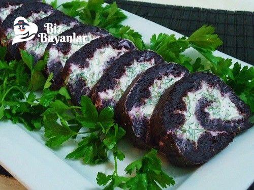 Siyah Havuçlu Rulo Salata Tarifi Bizbayanlar.com  #DereOtu, #LabnePeynir, #Maydanoz, #Roka, #Sarımsak, #SiyahHavuç, #Tuz, #Un, #Yumurta,#SalataTarifleri http://bizbayanlar.com/yemek-tarifleri/salata-meze-kanepe/salata-tarifleri/siyah-havuclu-rulo-salata-tarifi/
