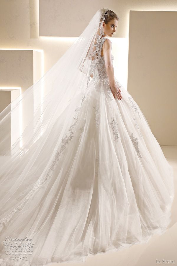 #Tulle #bridal #gown