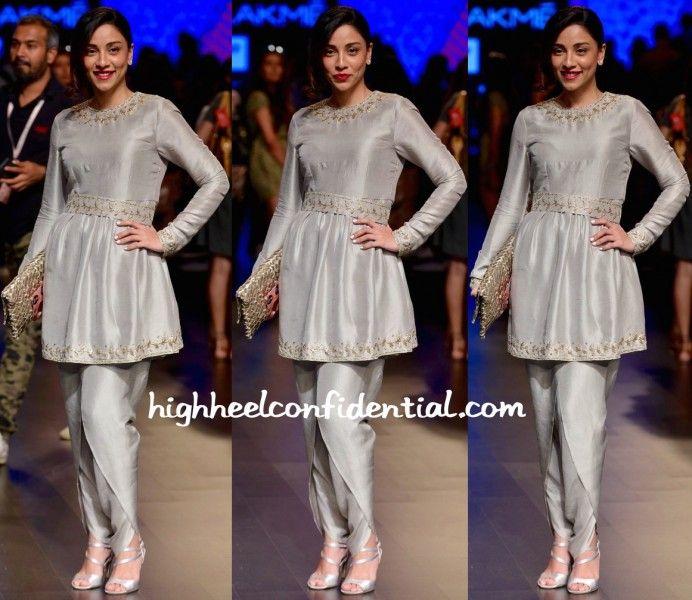 Amrita Puri Wears Payal Singhal To Designer's Show At Lakme Fashion Week Summer Resort 2016