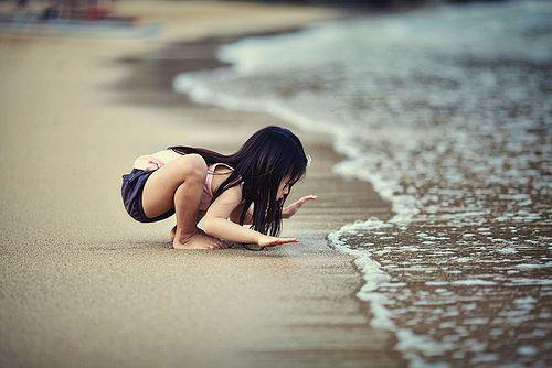 BeachLittle Girls, At The Beach, Children, Baby Girls, Art Kids, Beach Baby, The Waves, The Sea, Beach Trips