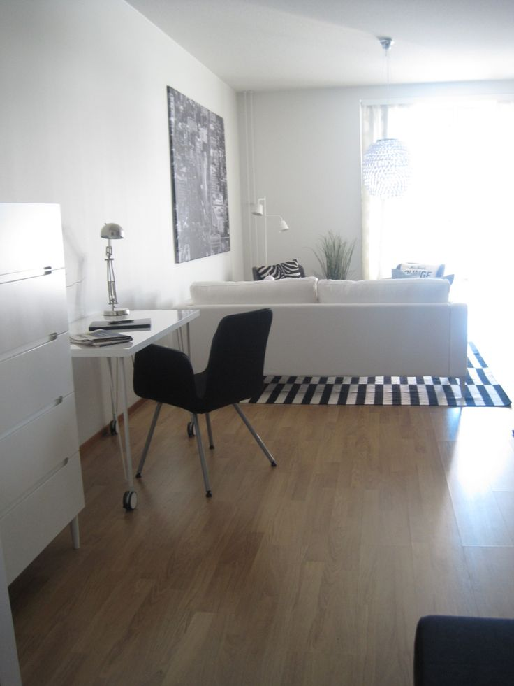 Black and white in one bedroom condo