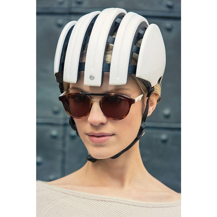 Feiner Helm – leicht und mit unübertroffener Passform. Die einzelnen Segmente sind mit flexiblen Bändern... - Fahrradhelm Carrera Basic