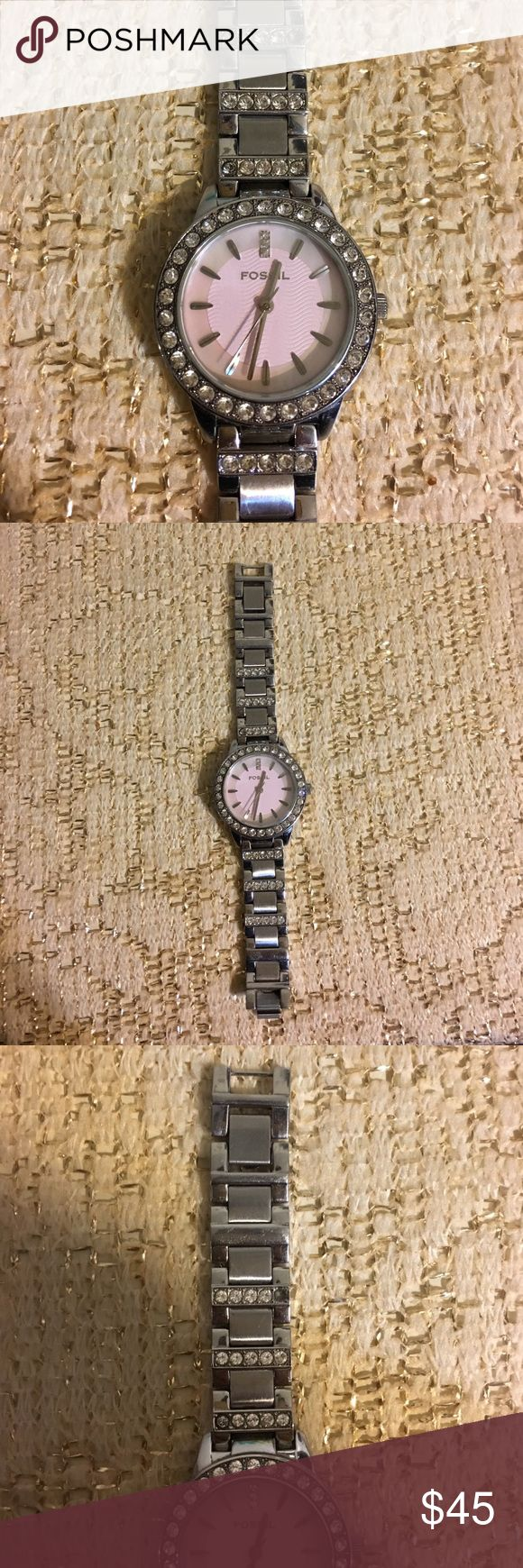 ✨FOSSIL Silver Watch!✨ Silver Watch from Fossil. 💯Authentic. Used, has a missing rhinestone, and it stopped working, HOWEVER 🤔, with a good watch repair person it can work again!👌🏼 Measures to 6 1/2 inches! OFFERS ARE WELCOME! 👏🏼 Fossil Accessories Watches