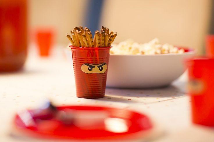 Ninjago-party asztal